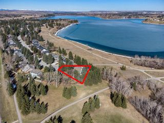 Main Photo: 1804 Bay Shore Road SW in Calgary: Bayview Detached for sale : MLS®# A1108185