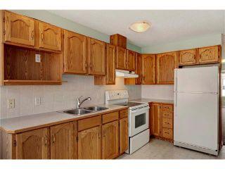 Photo 6: 15 WHITMIRE Villa(s) NE in Calgary: Whitehorn House for sale : MLS®# C4094528