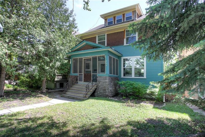 FEATURED LISTING: 844 Grosvenor Avenue Winnipeg