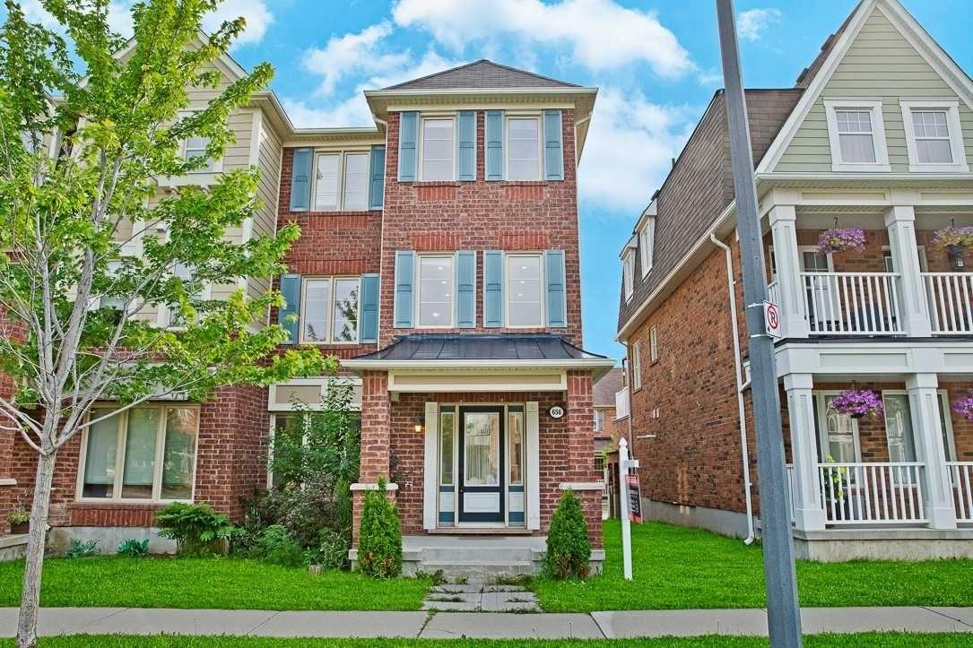 Main Photo: 656 Scott Boulevard in Milton: Harrison House (3-Storey) for lease : MLS®# W5332944