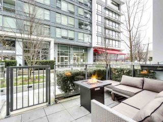 "Photo 3: 155 W 2ND Avenue in Vancouver: False Creek Townhouse for sale in ""Tower Green"" (Vancouver West)  : MLS®# R2539877"