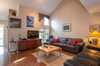 Photo 3: 567 Templeton Avenue in Winnipeg: Residential for sale (4F)  : MLS®# 202014719