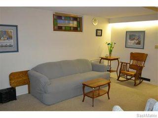 Photo 4: 2408 Irvine Avenue in Saskatoon: Nutana Park Single Family Dwelling for sale (Saskatoon Area 02)  : MLS®# 565482