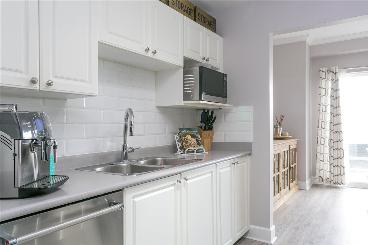 """Main Photo: 46 2728 CHANDLERY Place in Vancouver: Fraserview VE Townhouse for sale in """"RIVERSIDE GARDENS"""" (Vancouver East)  : MLS®# R2243522"""