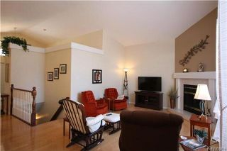 Photo 4: 205 Barlow Crescent in Winnipeg: River Park South Residential for sale (2F)  : MLS®# 1729915