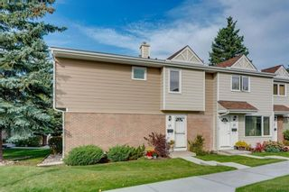 Photo 2: 14 3620 51 Street SW in Calgary: Glenbrook Row/Townhouse for sale : MLS®# C4265108