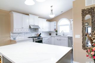 Photo 6: 407 Greaves Crescent in Saskatoon: Willowgrove Residential for sale : MLS®# SK866908