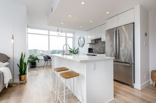 """Photo 14: 709 3557 SAWMILL Crescent in Vancouver: South Marine Condo for sale in """"ONE TOWN CENTRE"""" (Vancouver East)  : MLS®# R2430405"""