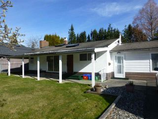Photo 2: 1570 BISHOP Road: White Rock House for sale (South Surrey White Rock)  : MLS®# R2438304