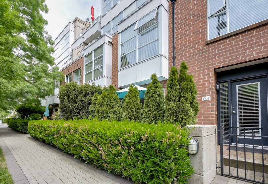 """Main Photo: 2738 CRANBERRY Drive in Vancouver: Kitsilano Townhouse for sale in """"ZYDECO"""" (Vancouver West)  : MLS®# R2073956"""