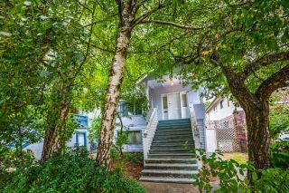Photo 2: 6116 CHESTER Street in Vancouver: Fraser VE House for sale (Vancouver East)  : MLS®# R2615226