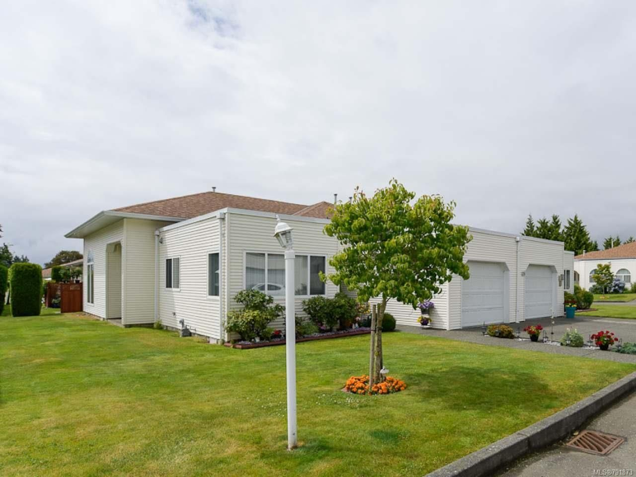 Main Photo: 27 677 BUNTING PLACE in COMOX: CV Comox (Town of) Row/Townhouse for sale (Comox Valley)  : MLS®# 791873