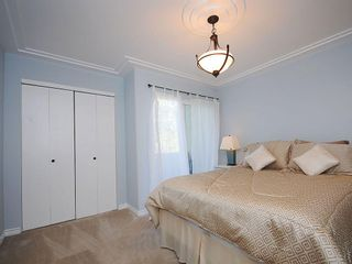 Photo 11: 1392 Rockland Ave in Victoria: Residential for sale (203)  : MLS®# 283459