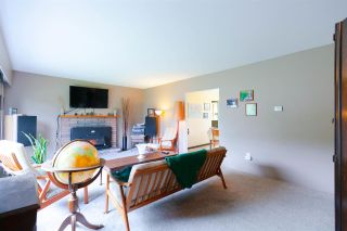 Photo 2: 3317 HANDLEY Crescent in Port Coquitlam: Lincoln Park PQ House for sale : MLS®# R2322006