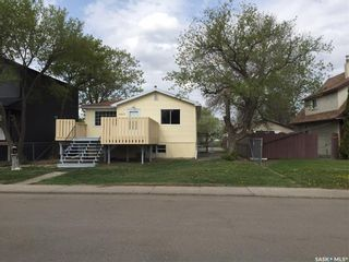 Photo 2: 1260 Elliott Street in Regina: Eastview RG Residential for sale : MLS®# SK845301