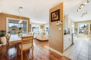 Photo 2: 201 7851 East Saanich Rd in : CS Saanichton Condo for sale (Central Saanich)  : MLS®# 872938