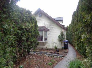 Photo 1: 453 HUDSON BAY Street in Hope: Hope Center House for sale : MLS®# R2436471