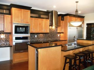 Photo 3: 1598 Parker Pl in White Rock: Home for sale : MLS®# f1322012