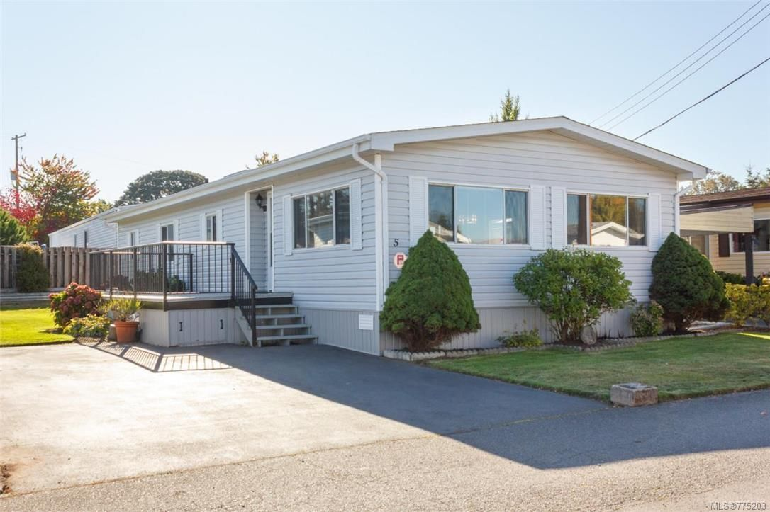 Main Photo: 5 1536 Middle Rd in View Royal: VR Glentana Manufactured Home for sale : MLS®# 775203