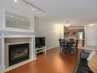 Photo 5: 308 988 West 54th Avenue in Hawthorne House: South Cambie Home for sale ()  : MLS®# R2040205
