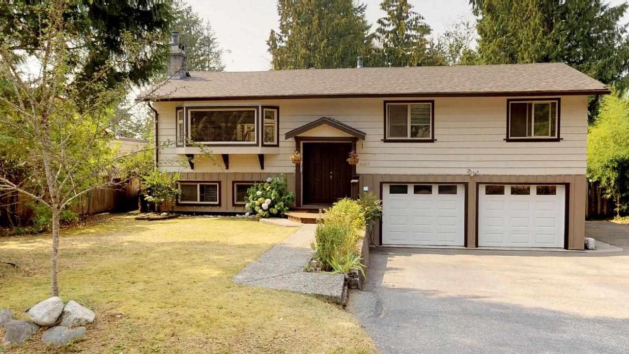 "Main Photo: 40417 BRAEMAR Drive in Squamish: Garibaldi Highlands House for sale in ""Garibaldi Highlands"" : MLS®# R2299539"