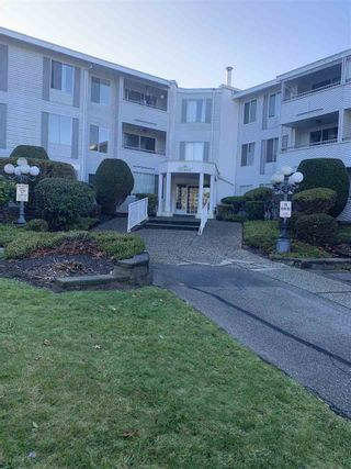 """Photo 1: 106 32950 AMICUS Place in Abbotsford: Central Abbotsford Condo for sale in """"The Haven"""" : MLS®# R2510842"""