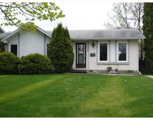 Main Photo: 38 TUNBRIDGE Bay in WINNIPEG: Transcona Residential for sale (North East Winnipeg)  : MLS®# 2910296