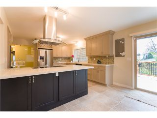 Photo 2: 936 THERMAL Drive in Coquitlam: Chineside House for sale : MLS®# V1034212