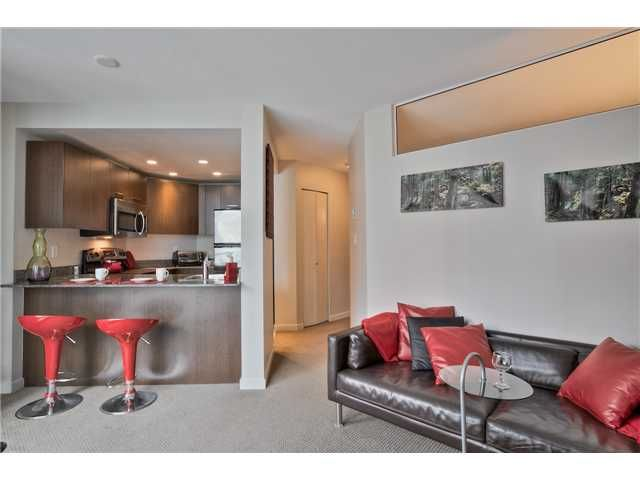 """Main Photo: 504 1212 HOWE Street in Vancouver: Downtown VW Condo for sale in """"1212 HOWE"""" (Vancouver West)  : MLS®# V1054674"""
