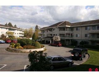 """Photo 2: 117 2451 GLADWIN Road in Abbotsford: Abbotsford West Condo for sale in """"CENTENNIAL COURT"""" : MLS®# F2912333"""