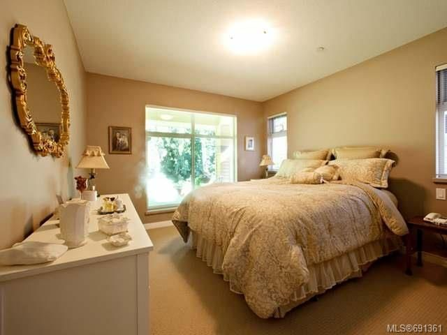 Photo 8: Photos: 6 500 Corfield St in PARKSVILLE: PQ Parksville Row/Townhouse for sale (Parksville/Qualicum)  : MLS®# 691361