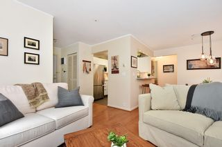 """Photo 5: 106 2588 ALDER Street in Vancouver: Fairview VW Condo for sale in """"BOLLERT PLACE"""" (Vancouver West)  : MLS®# R2429460"""