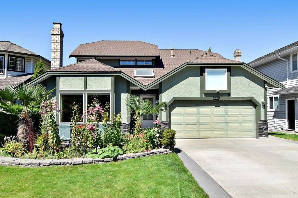 """Main Photo: 21547 87B Avenue in Langley: Walnut Grove House for sale in """"Forest Hills"""" : MLS®# R2101733"""