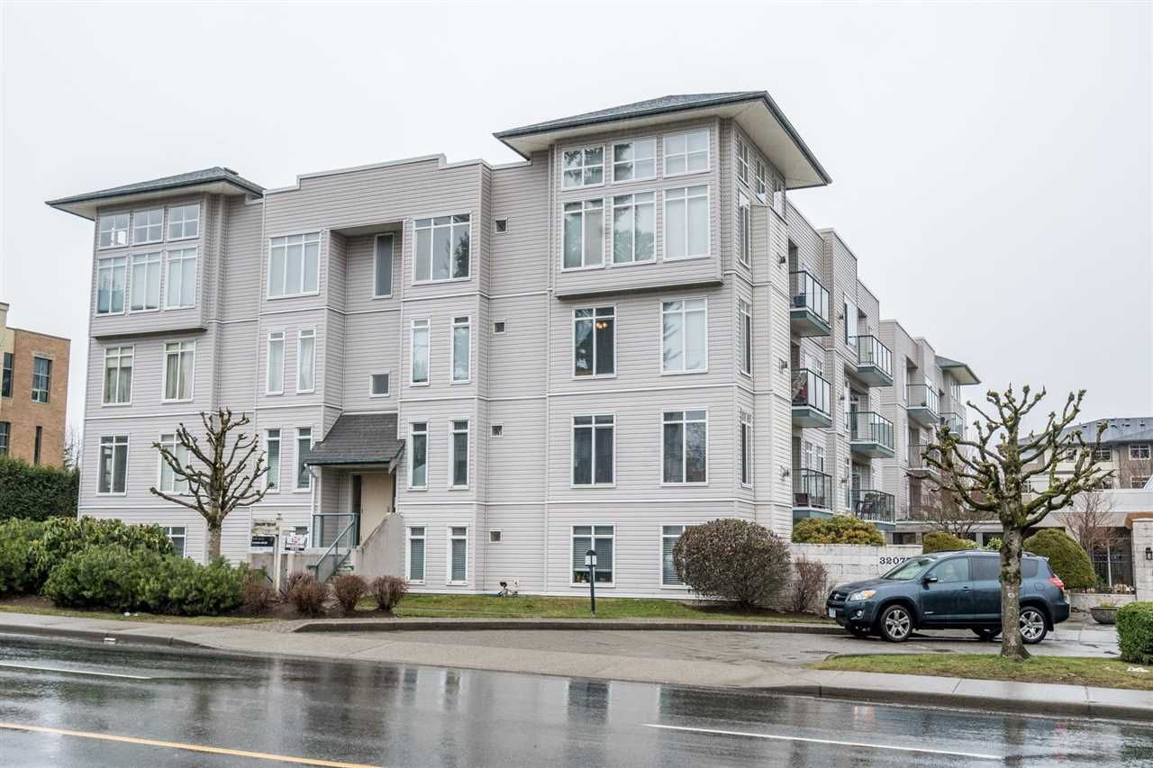 Main Photo: 104 32075 GEORGE FERGUSON Way in Abbotsford: Abbotsford West Condo for sale : MLS®# R2574562