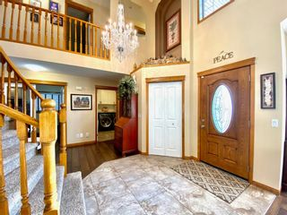 Photo 2: 327 Edgebrook Grove NW in Calgary: Edgemont Detached for sale : MLS®# A1074590
