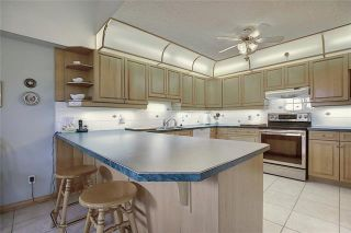 Photo 14: 235 6868 SIERRA MORENA Boulevard SW in Calgary: Signal Hill Apartment for sale : MLS®# C4301942
