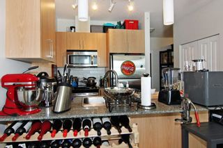 """Photo 4: 405 2943 NELSON Place in Abbotsford: Central Abbotsford Condo for sale in """"Edgebrook"""" : MLS®# R2299096"""