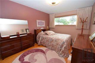 Photo 5: 1 Richardson Avenue in Winnipeg: Garden City Residential for sale (4G)  : MLS®# 1820664