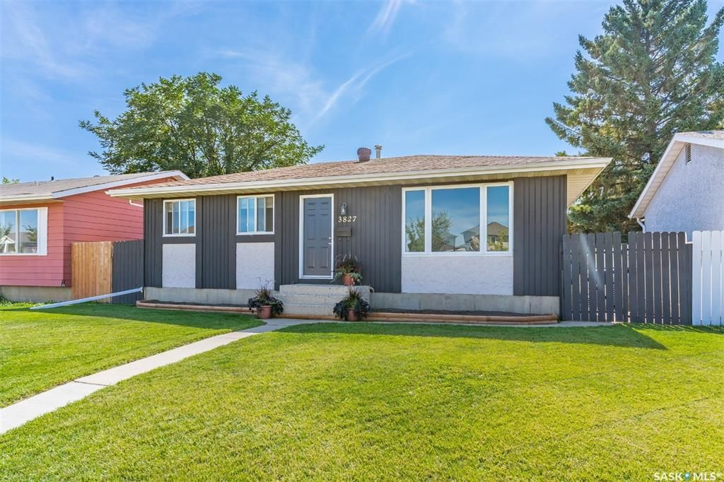 Main Photo: 3827 33rd Street West in Saskatoon: Confederation Park Residential for sale : MLS®# SK868468