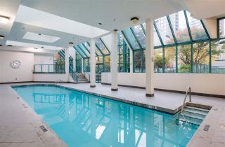 "Photo 13: 2606 939 HOMER Street in Vancouver: Yaletown Condo for sale in ""THE PINNACLE"" (Vancouver West)  : MLS®# R2555525"