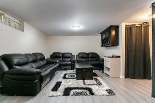 """Photo 11: 7359 PINNACLE Court in Vancouver: Champlain Heights Townhouse for sale in """"PARKLANE"""" (Vancouver East)  : MLS®# R2207367"""