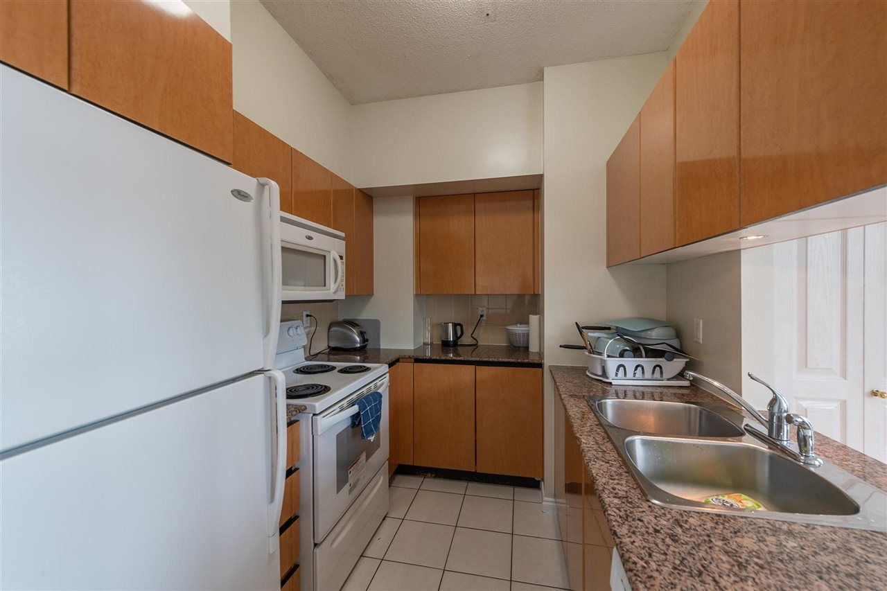 """Photo 7: Photos: PH4 1189 HOWE Street in Vancouver: Downtown VW Condo for sale in """"The Genesis"""" (Vancouver West)  : MLS®# R2513563"""