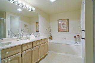 """Photo 11: 136 8737 212TH Street in Langley: Walnut Grove Townhouse for sale in """"Chartwell Green"""" : MLS®# R2072695"""