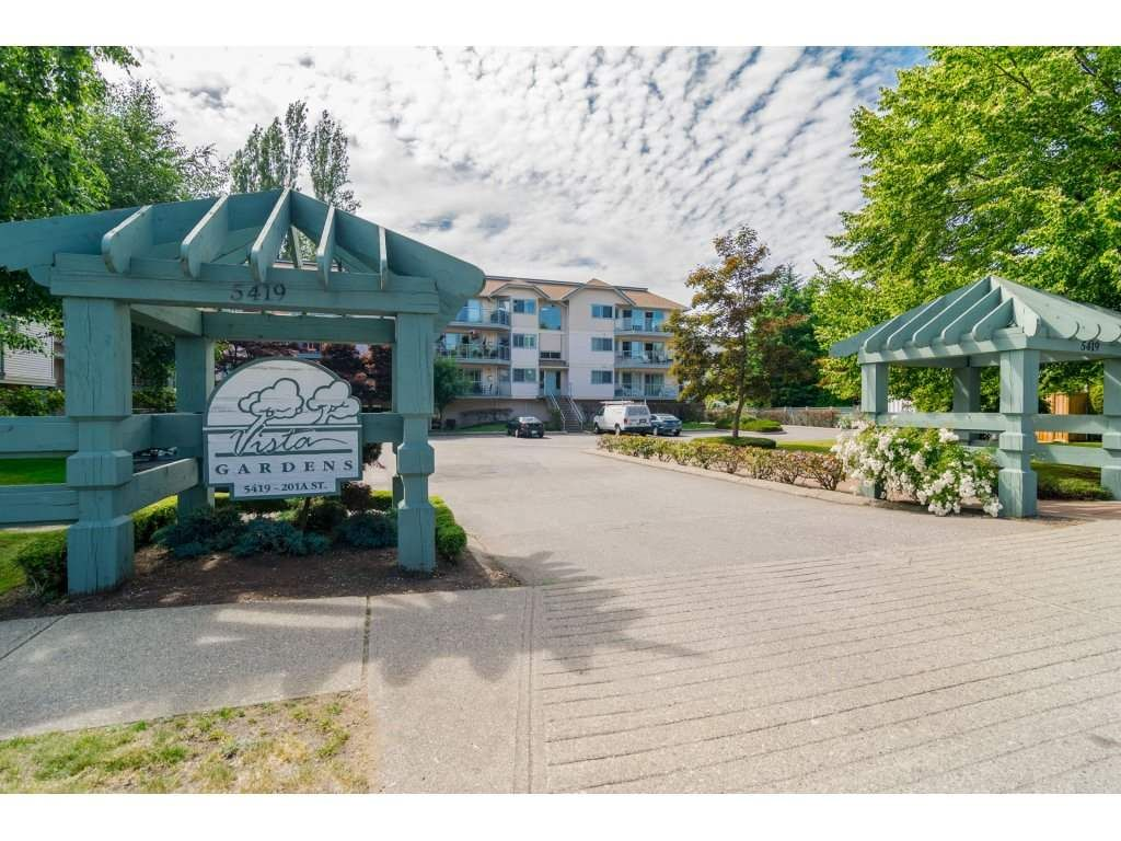"Main Photo: 312 5419 201A Street in Langley: Langley City Condo for sale in ""VISTA GARDENS"" : MLS®# R2183576"