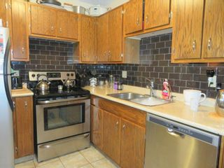 Photo 11: 27 Laurel Bay: Oakbank Single Family Attached for sale (R04)  : MLS®# 1817168