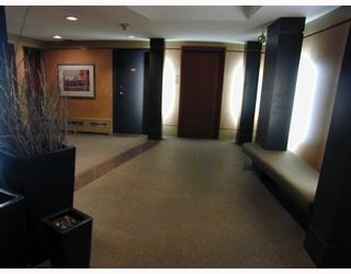 """Photo 2: 209-2125 W 2nd Ave in Vancouver: Kitsilano Condo for sale in """"Sunny Lodge"""" (Vancouver West)"""