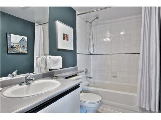 "Photo 12: 406 1623 E 2ND Avenue in Vancouver: Grandview VE Condo for sale in ""GRANDVIEW MANOR"" (Vancouver East)  : MLS®# V1066564"