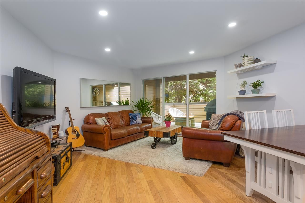Main Photo: 110 1910 CHESTERFIELD Avenue in North Vancouver: Central Lonsdale Townhouse for sale : MLS®# R2539121
