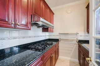 """Photo 6: 7851 SUNNYHOLME Crescent in Richmond: Broadmoor House for sale in """"SUNNYMEDE"""" : MLS®# R2158185"""