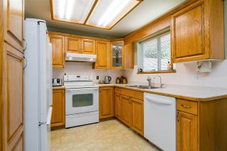 Photo 11: 931 COTTONWOOD Avenue in Coquitlam: Coquitlam West House for sale : MLS®# R2199150